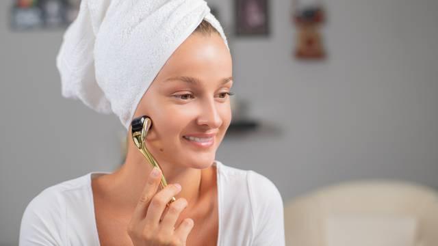 Beauty gadget postao mega hit: Dermaroler za mladoliku kožu