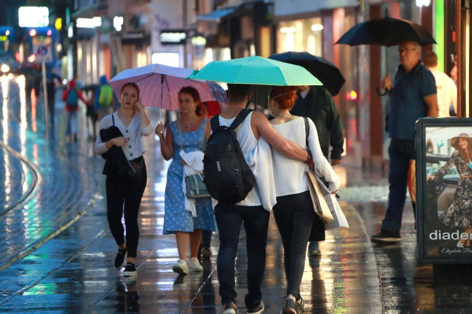 U poslijepodnevnim satima u Zagrebu je pala kiša