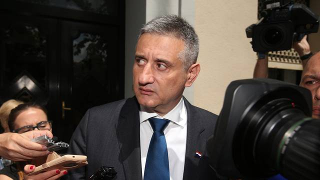 Karamarko se nećka: Sad ipak ne želi biti predsjednik HDZ-a?