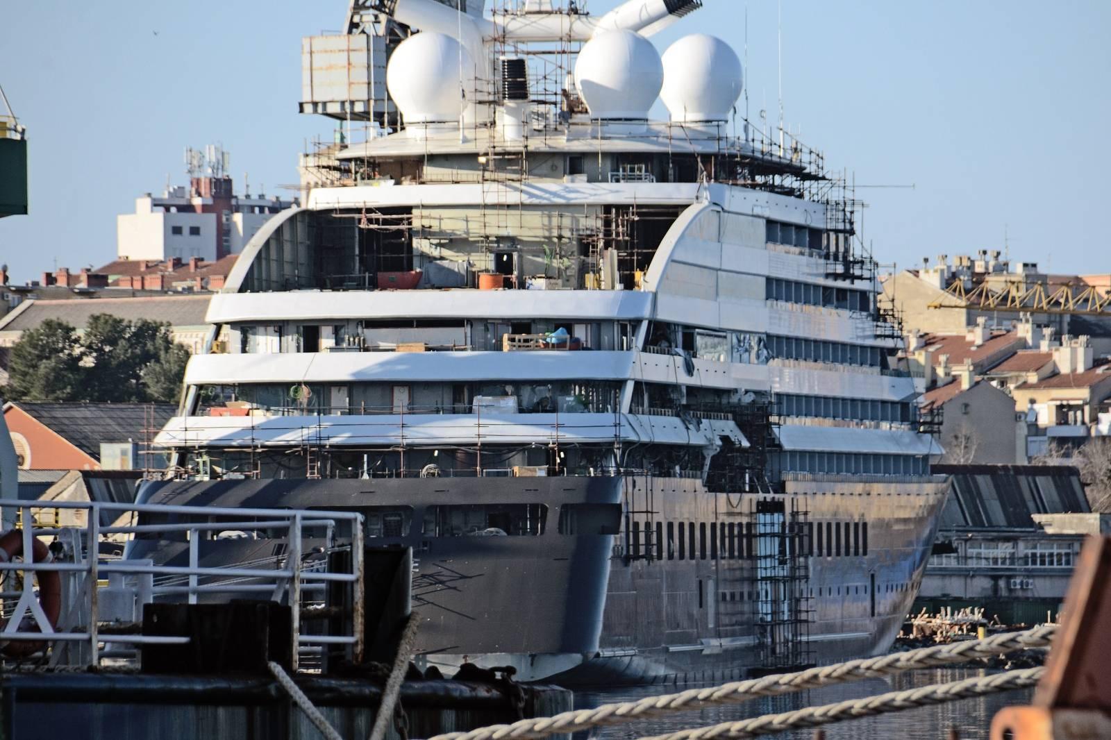 Pula: Nema ulaska u brodogradilište Uljanik, čak ni za kooperante koji rade na polarnom kruzeru