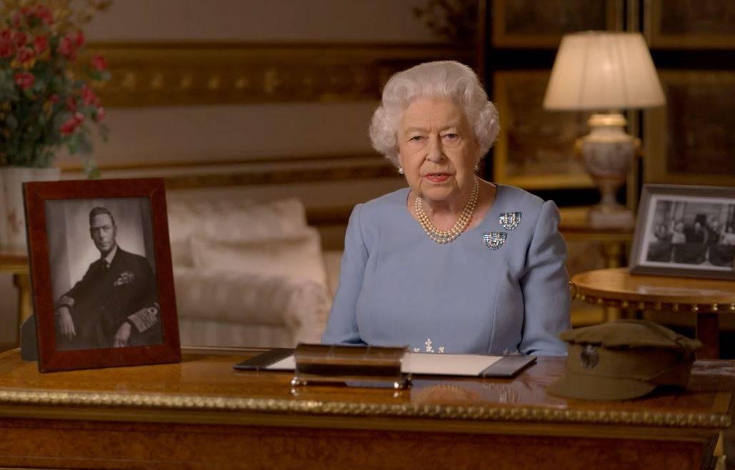 Kraljica Elizabeta II. pozvala je Britance da nikad ne gube nadu
