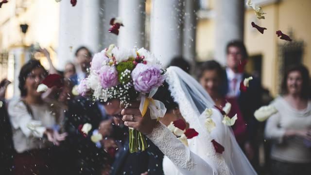 Lukava mladenka: Našla način kako da ne plati fotke sa svadbe