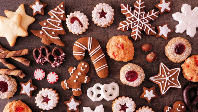 Kao u bakinoj kuhinji: Vanilin kiflice, kroštule i Pišinger torta