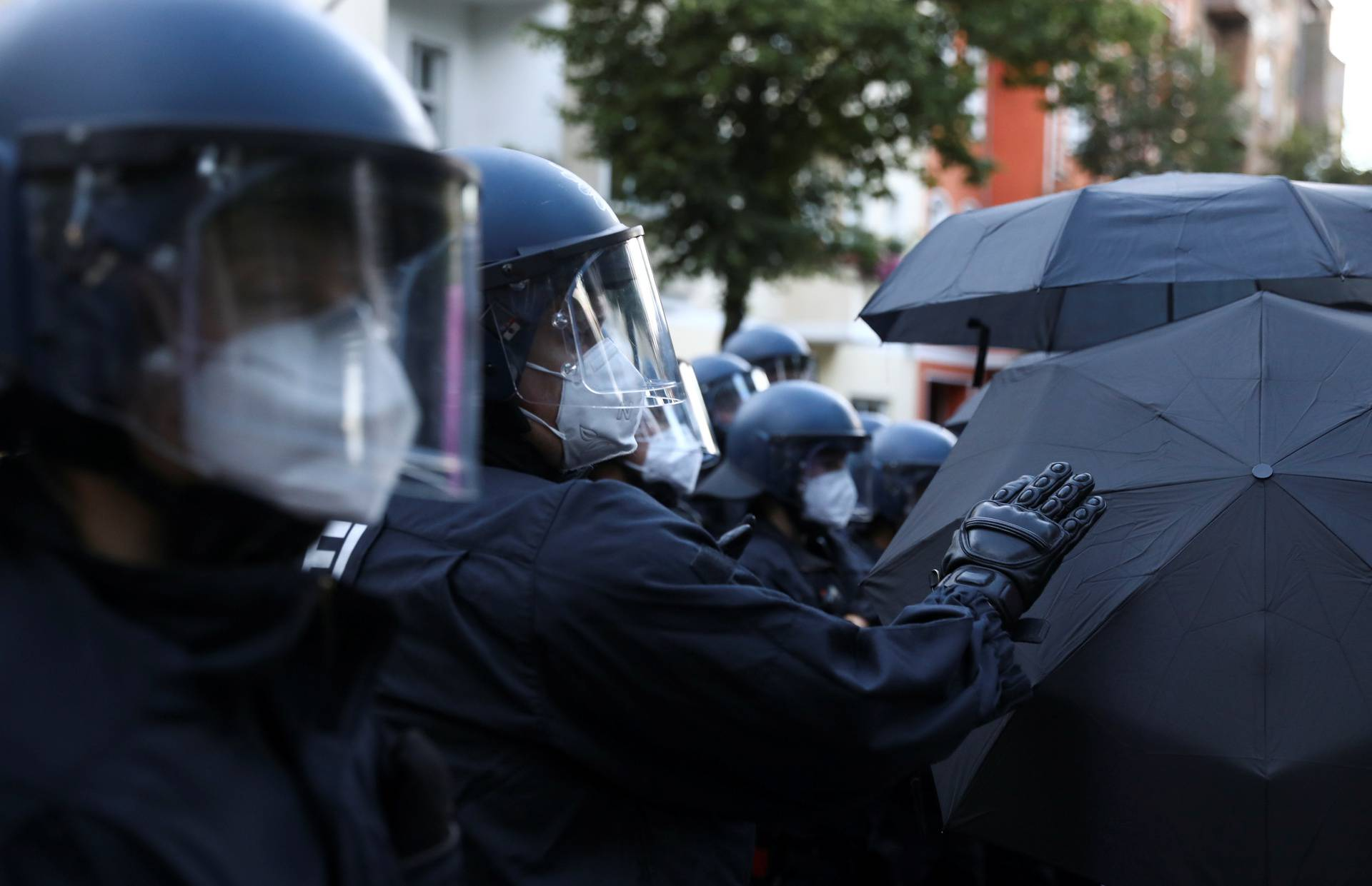 """Demonstration against the eviction of the pub """"Syndikat"""" and of the former group Liebig 34 in Berlin"""