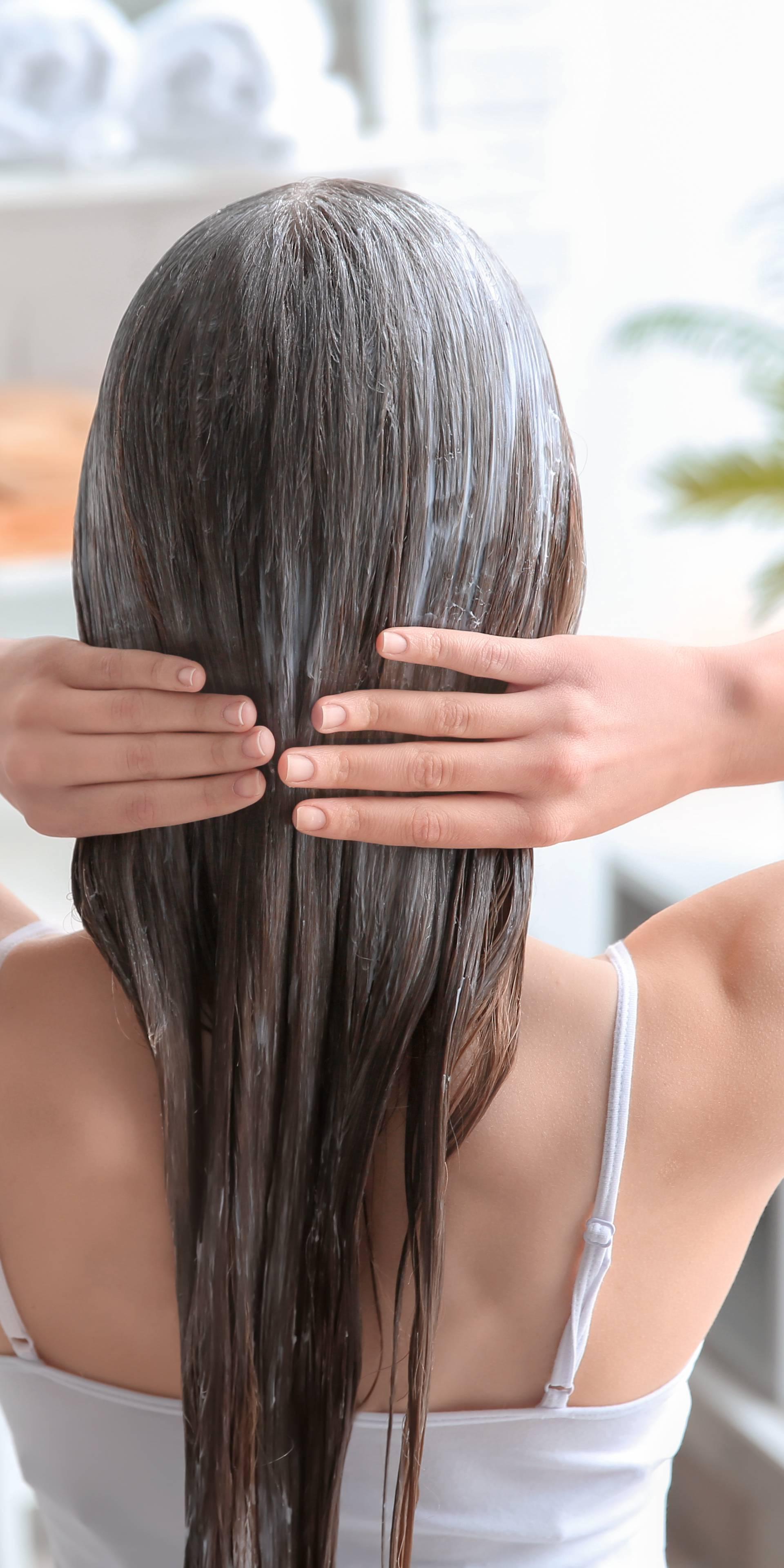 Kad stavljati regenerator za kosu? To ovisi o više faktora