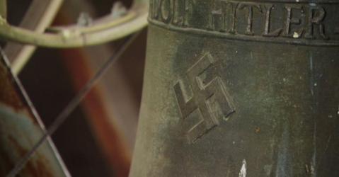 Traže savjet: Crkveno zvono ima svastiku i posvetu Hitleru
