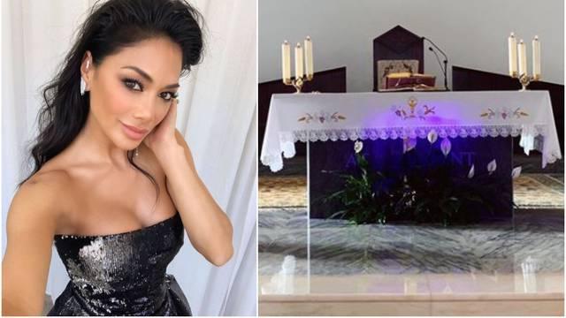 Scherzinger otišla u crkvu: Pred oltarom snimila neobičan prizor