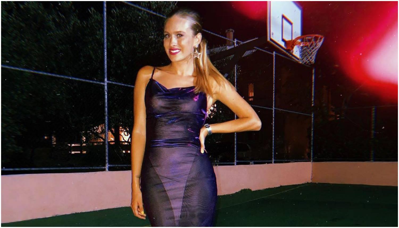 Vidi se iz a-a-viona: Domenica je pozirala u prozirnoj haljini...