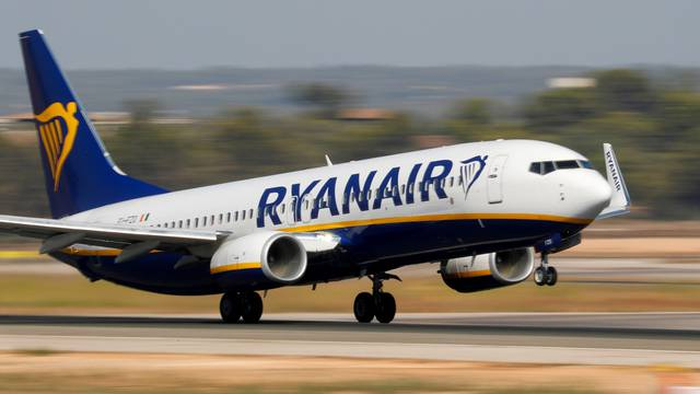FILE PHOTO: A Ryanair Boeing 737 airplane takes off from the airport in Palma de Mallorca