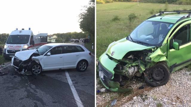 Nesreća kraj Motovuna: Vozač je ispao iz auta nakon sudara