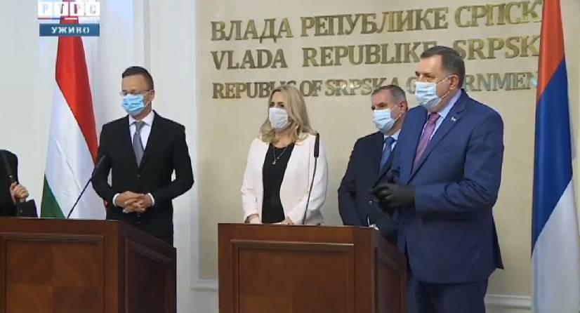 Urnebesno: Mađar kaže BiH, a ona prevede Republika Srpska