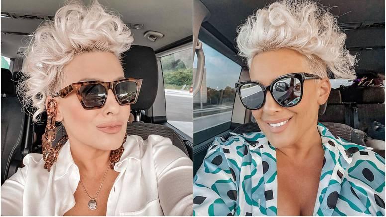 Indira krenula na put pa opalila selfie, svu pažnju ukrao dekolte