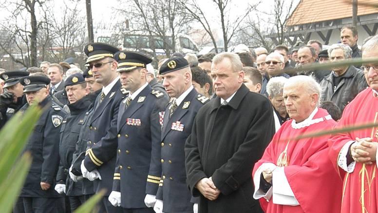 U Saborskom položili vijence i svijeće civilnim žrtvama rata