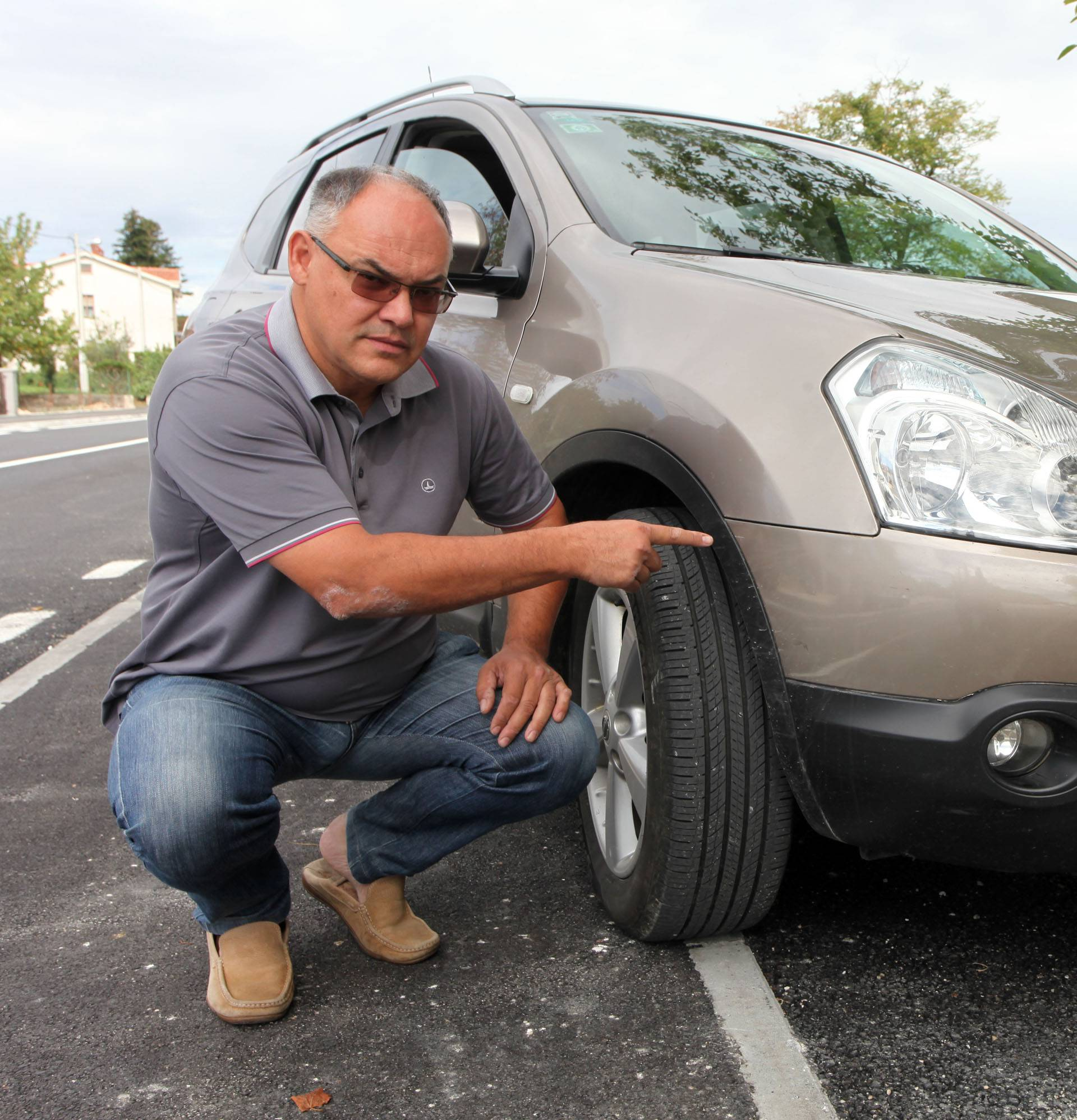 'Taj auto sam jedva  dotaknuo, on je već od ranije bio razbijen'
