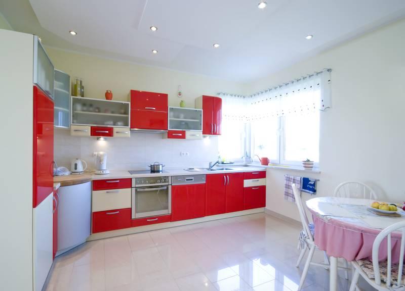 Crvena boja u kuhinji: Nimalo dobra ideja ukoliko ste na dijeti