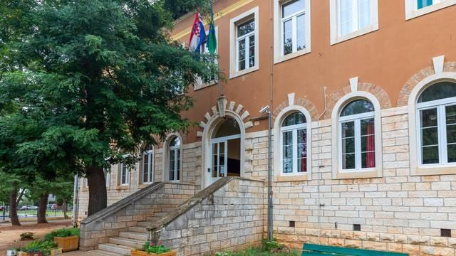 Osnovna škola Fažana prelazi na online nastavu: 'Bolesna 34 učenika, nadam se da je viroza'