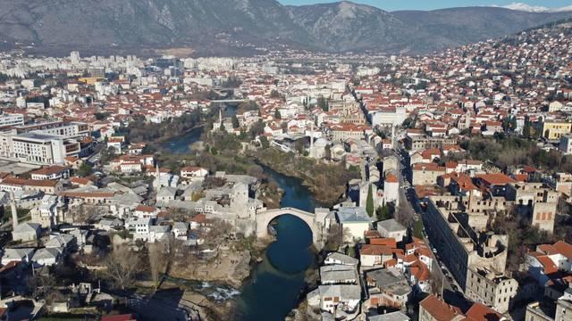 Korona u Hercegovini: Restorani i kafići puni, cjepiva nema, a tvrde da je zaraženih sve manje