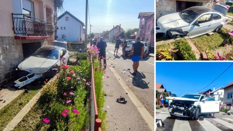 FOTO BMW-om uletio u dvorište kuće nakon sudara u Gospiću. Dvoje ljudi ozlijeđeno u nesreći