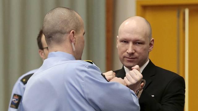 Preživjela je Breivikov krvavi pohod: 'Stalno razmišljam o tome koliko su svi bili mladi'
