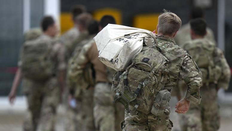 SAD kopnenim putem evakuirao još četvero ljudi iz Afganistana