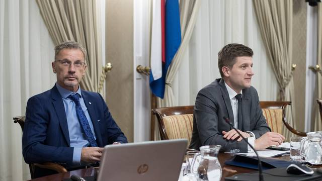 Zagreb: Prva sjednica Nacionalnog vijeća za uvođenje eura kao službene valute u RH