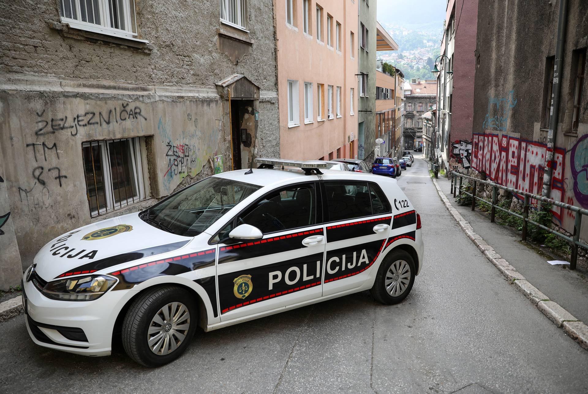 Dvojica Kamerunaca optužena su za trgovinu ljudima u BiH...