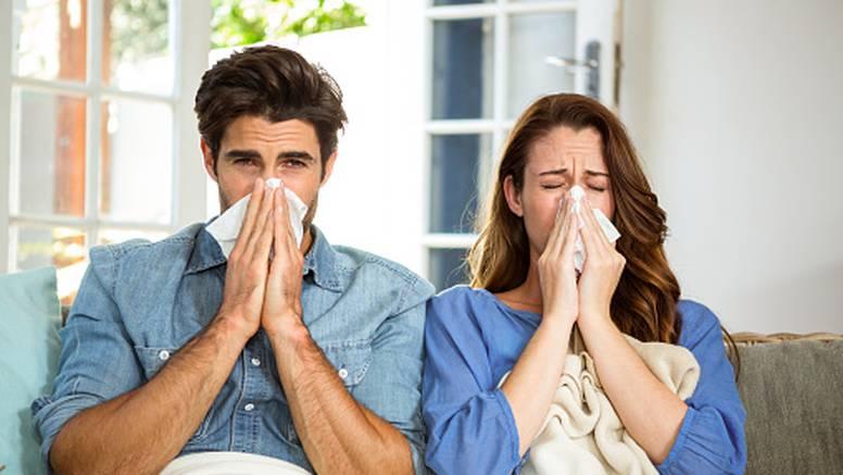 Evo kako se riješiti začepljenog nosa, ovisno o tome što je uzrok
