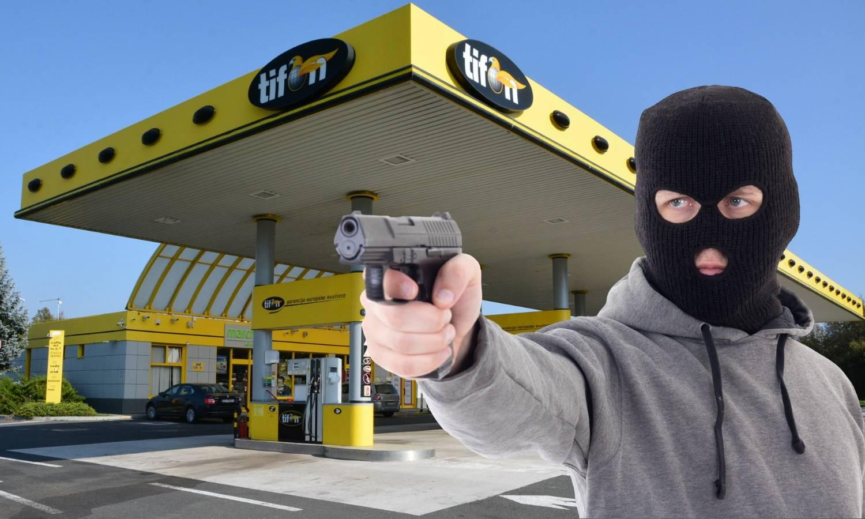 Ušao maskiran na benzinsku i pričekao radnike da ih opljačka