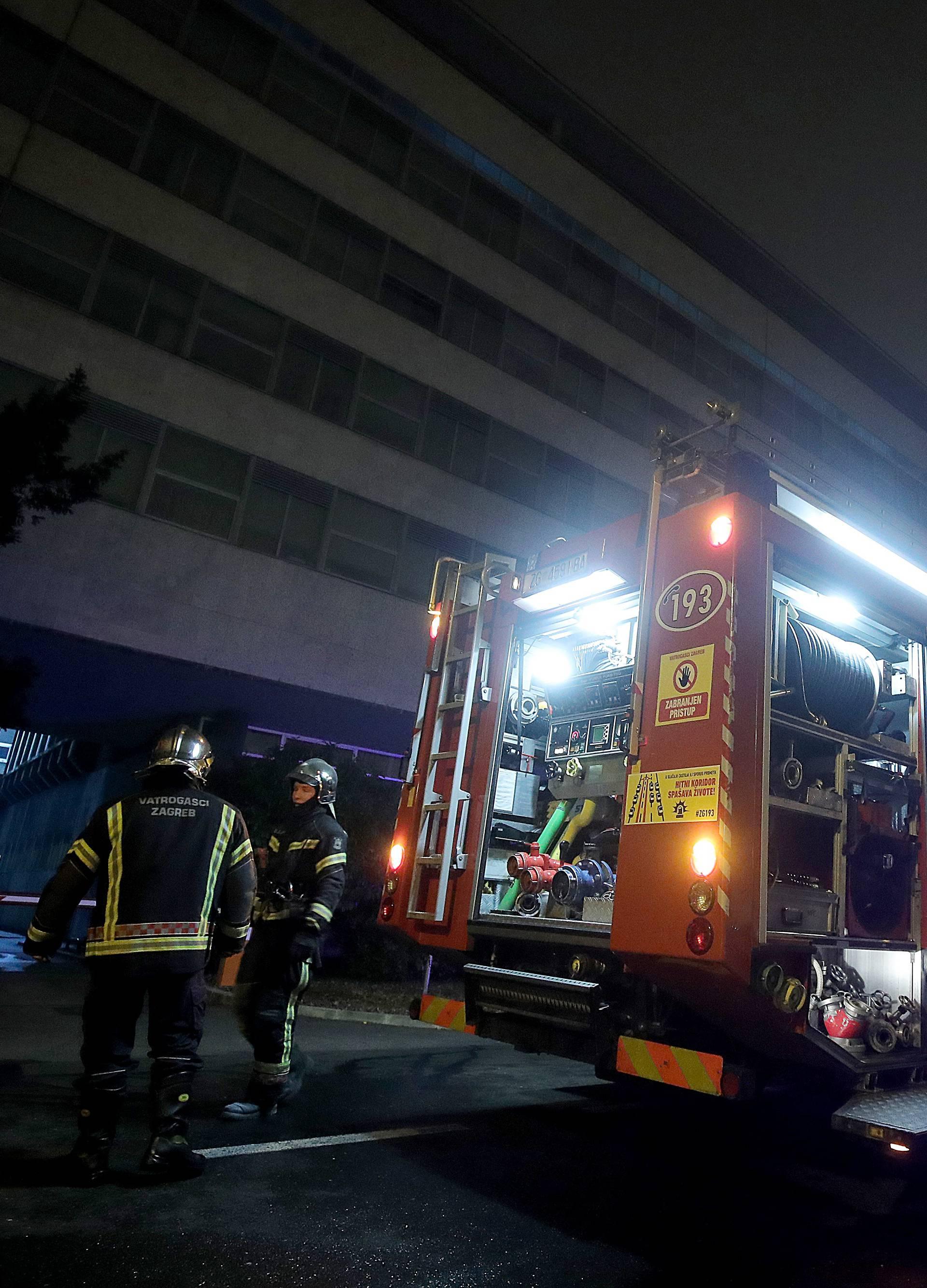 Zagreb. U zgradi Gradskog poglavarstva izbio požar u kuhinji, vatrogasci brzo intervenirali