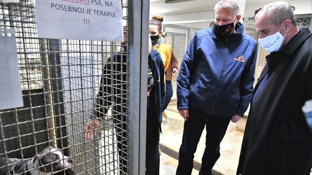 Bandić obišao Dumovec, kaže da je sve u redu i da je Zagreb najnapredniji u brizi za životinje