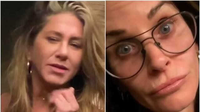 Jennifer Aniston igrala bilijar pa Courtney Cox poručila: Odjeb*!