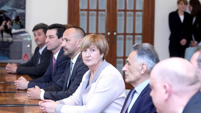 Hrvatski suverenisti su se udružili u političku stranku