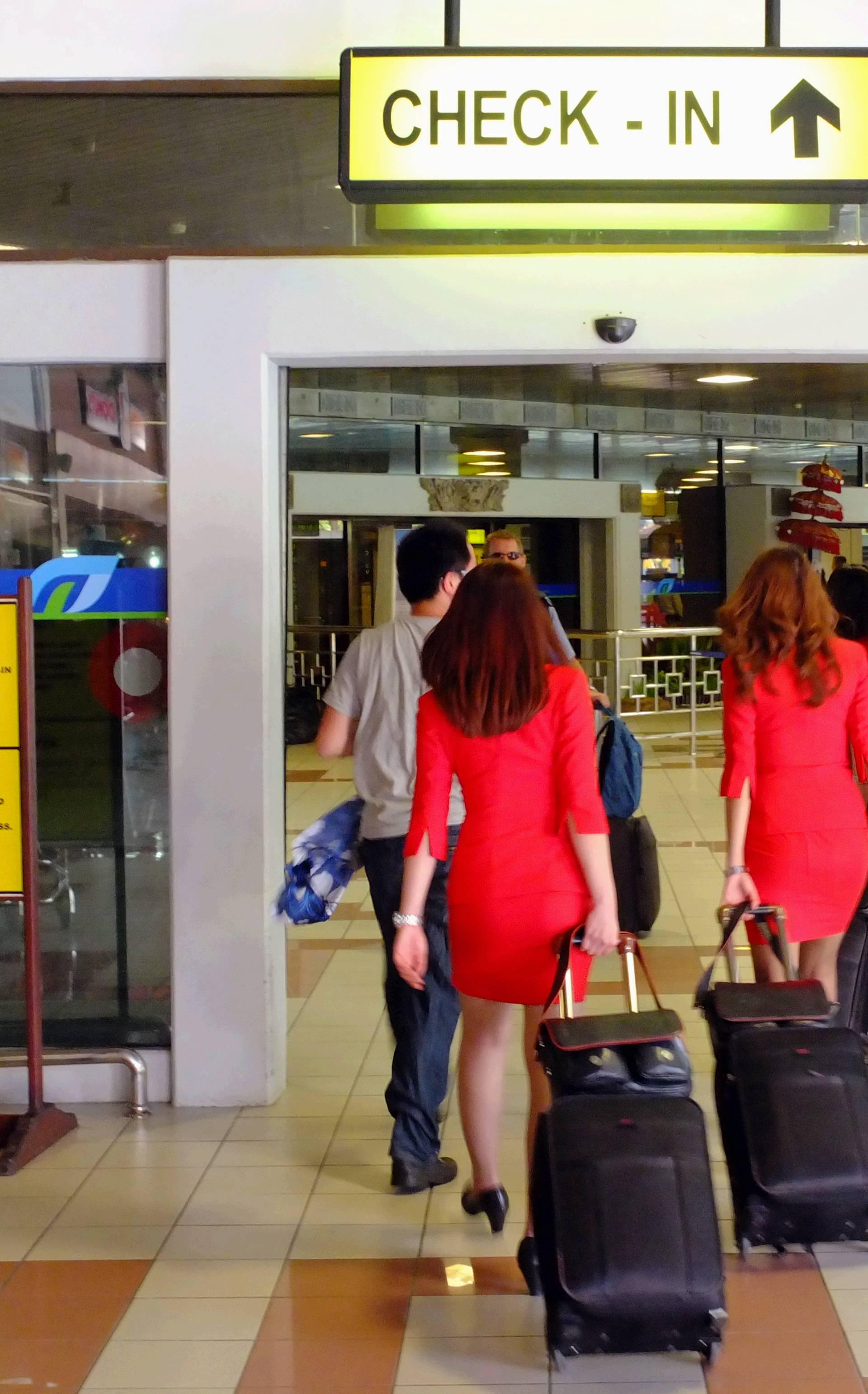 Njihove stjuardese više neće morati nositi suknje i štikle