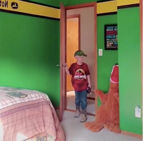 Želio je iznenaditi sina novom sobom, ali nije ga impresionirao