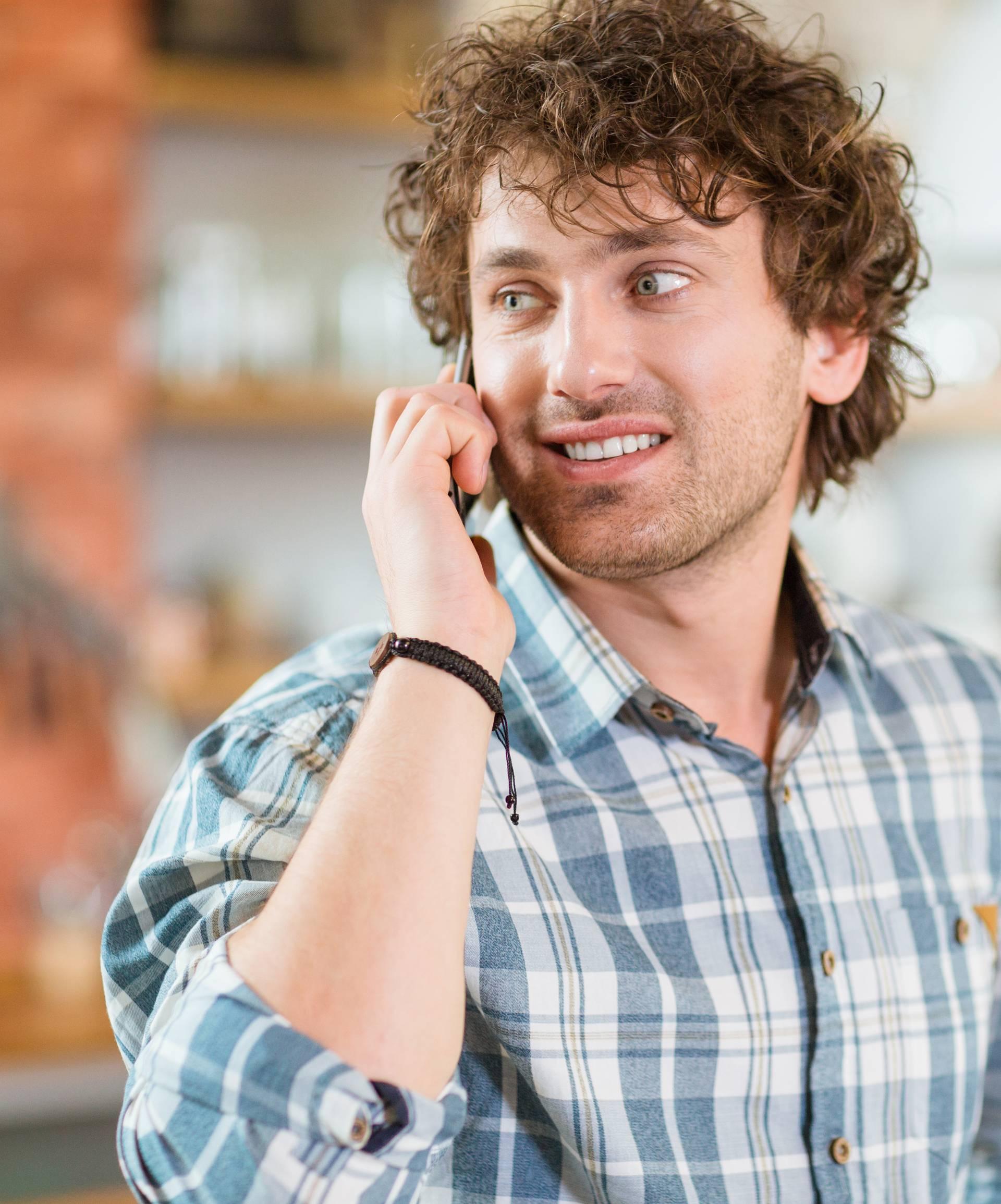 Pričanje na mobitel više od sat na dan kvari kvalitetu sperme