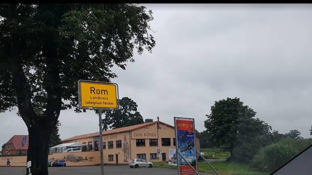 Djed krenuo u Rim, završio je u Njemačkoj i razbio automobil...