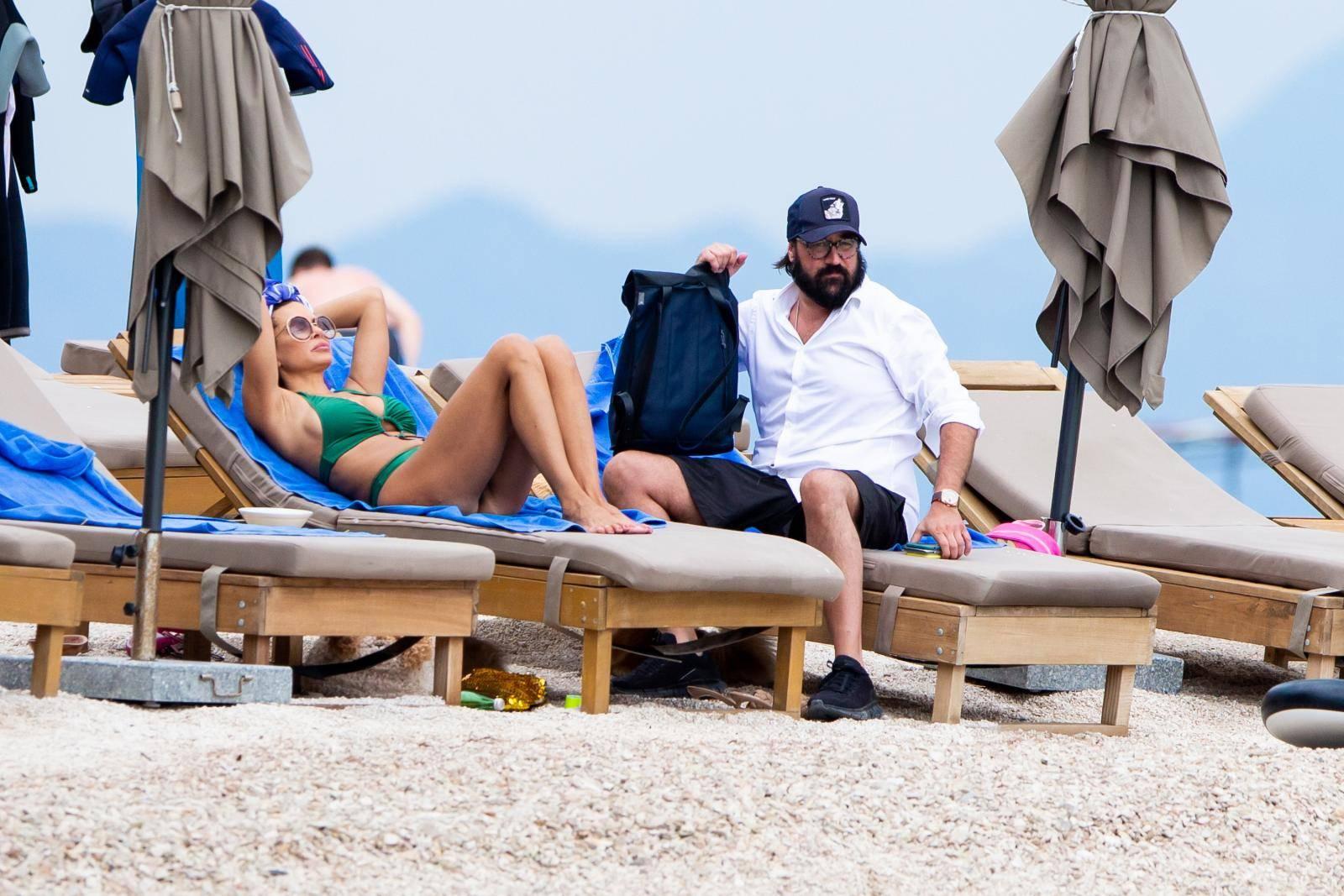 Nikolina Ristović i suprug Vidoje na odmoru u Bolu na otoku Braču