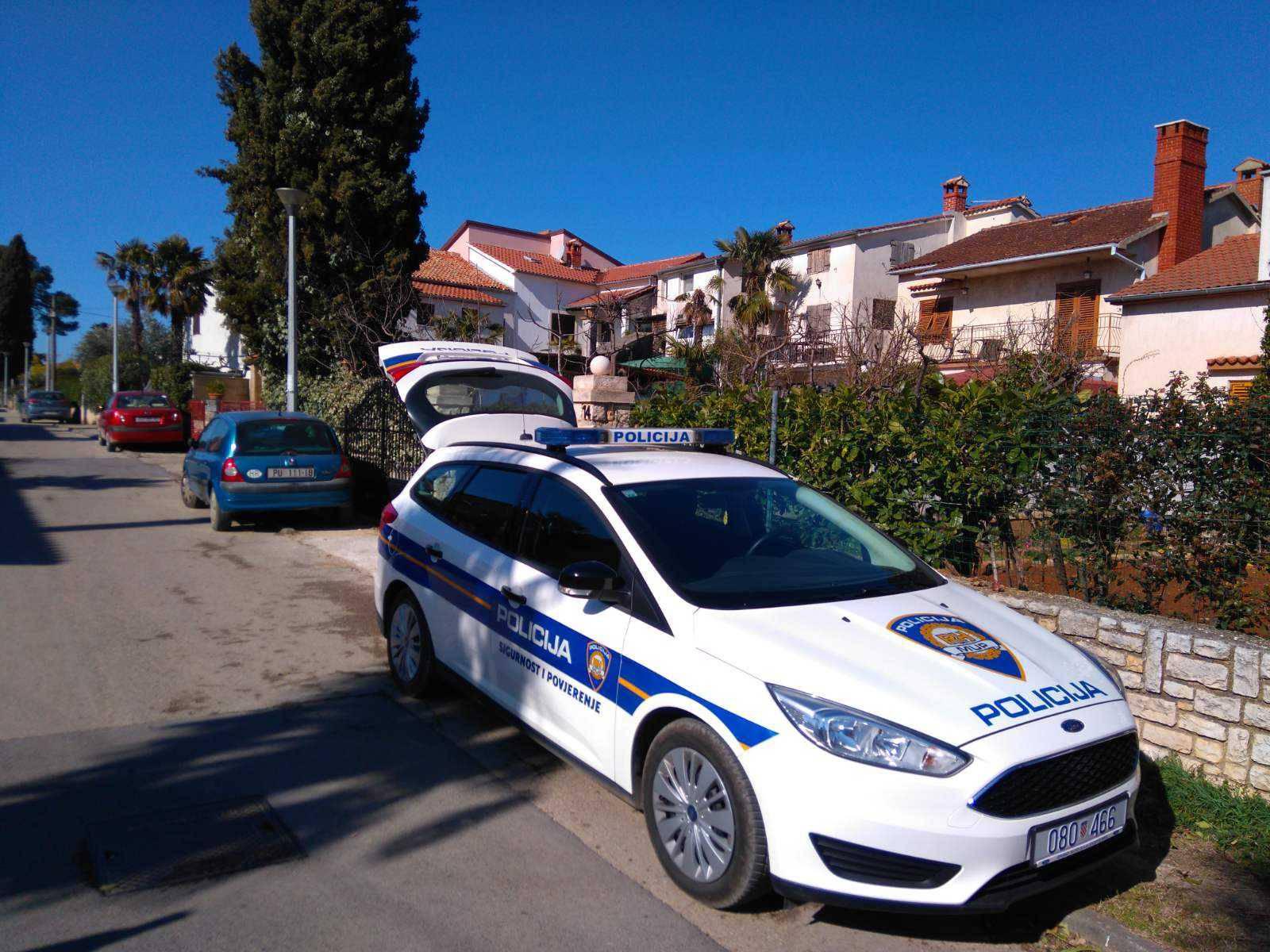 U Crikvenici uhitili ženu (31) radi krađe, šteta oko 10.500 kuna