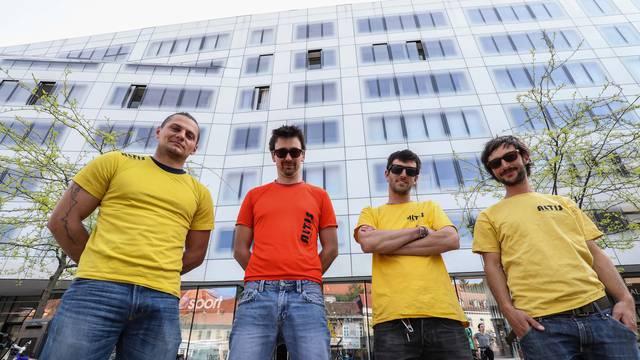 Ovo su alpinisti koji su spustili toranj Katedrale: 'Sretni smo'
