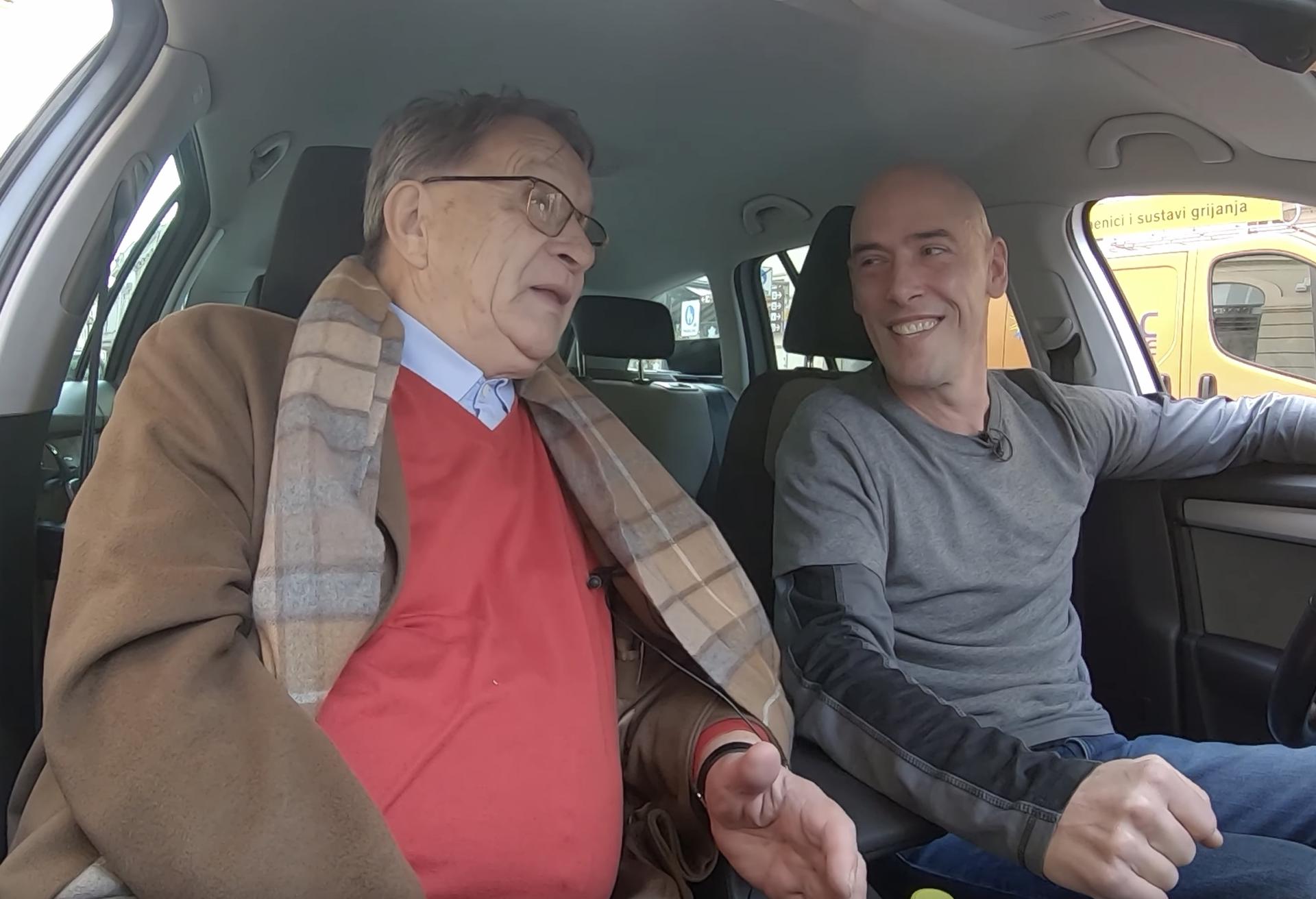 Jeste li se vozili s njim? 'Tko god uđe u moj taksi dobije rap'