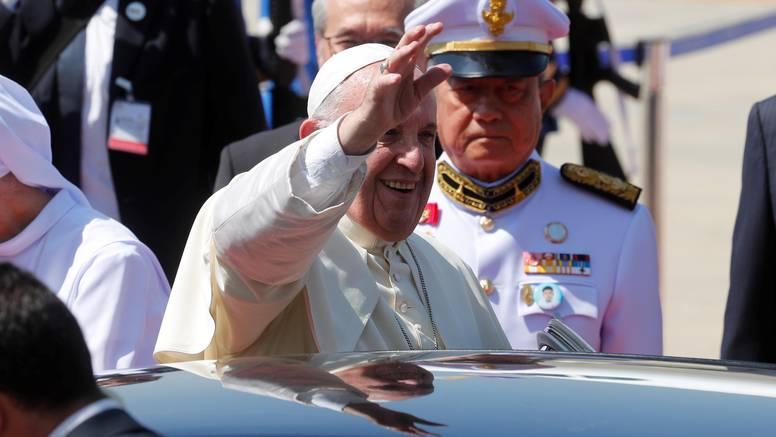 Papa stigao u Tajland na susret s odanom katoličkom manjinom