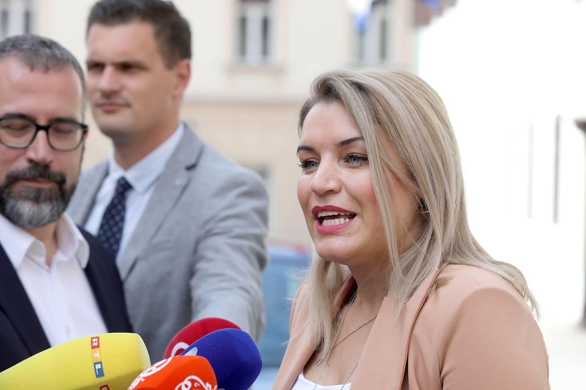 Zagreb: Ministri dolaze na sjednicu prvog radnog dana nove Vlade RH