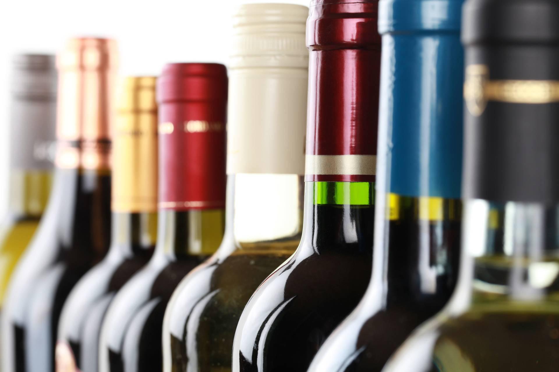 Vino iz Italije, Makedonije i Čilea prodavali kao hrvatsko