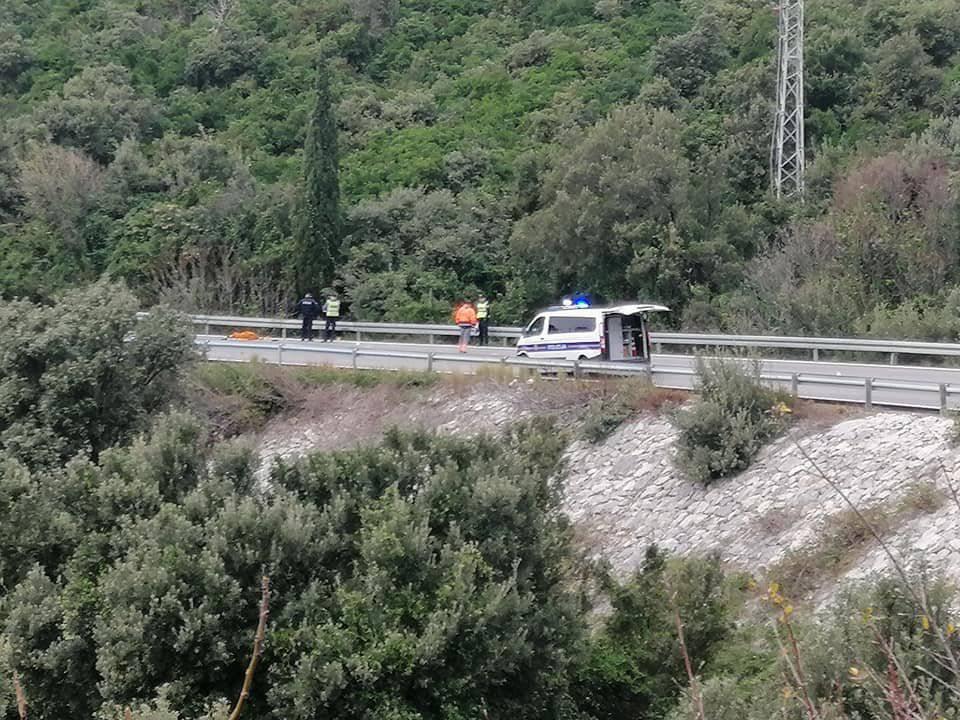Poginuo motociklist (23) iz Dubrovnika, sletio je s ceste