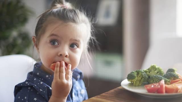 Ovih 5 važnih životnih vještina ne prenosimo djeci, a trebali bi