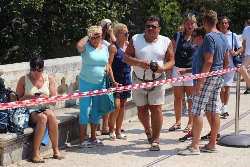 Protiv gužve: Trakom podijelili most na dubrovačkim Pilama