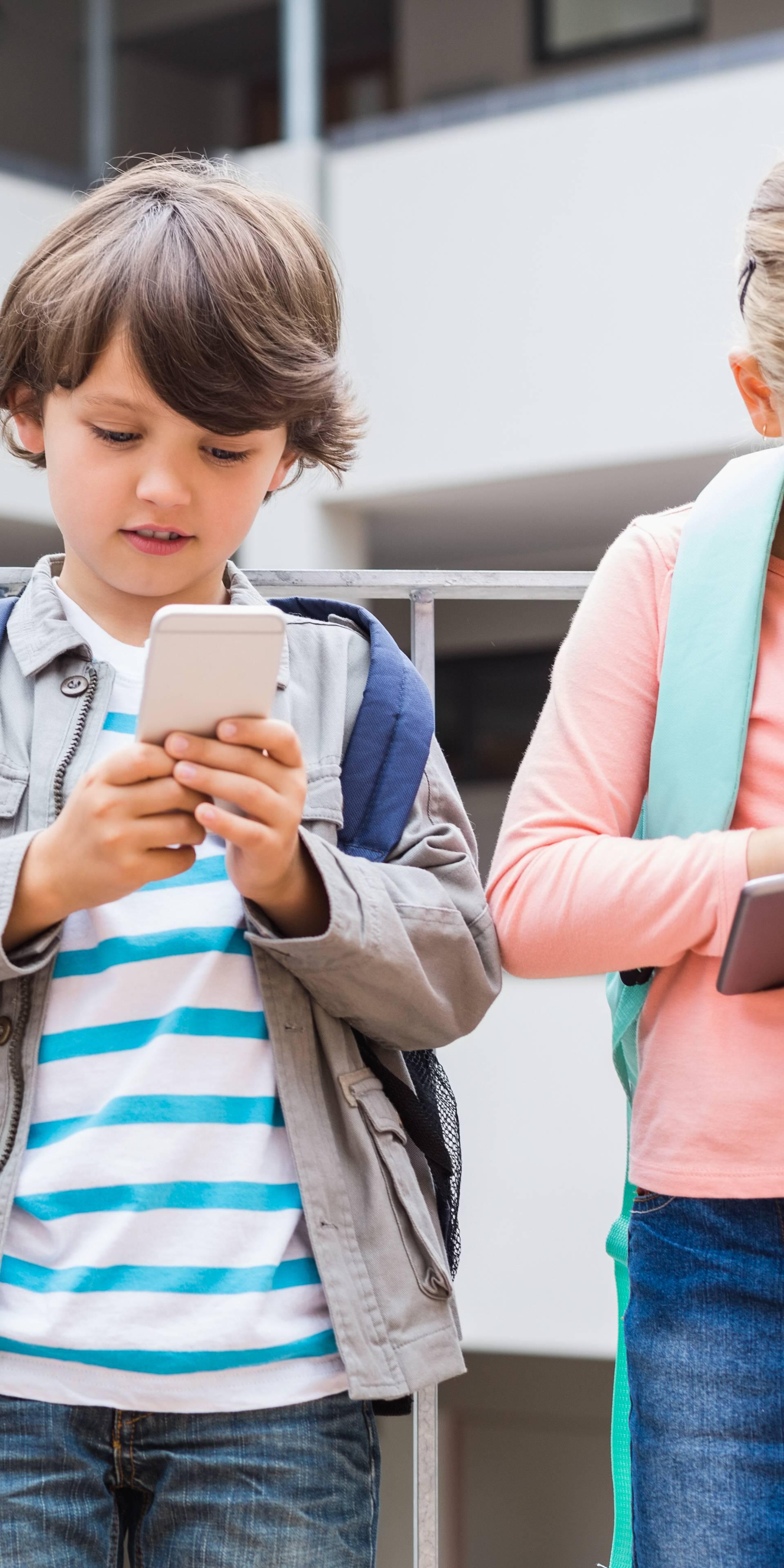 Stručnjaci: Roditelji griješe kad ne prate što djeca rade na netu