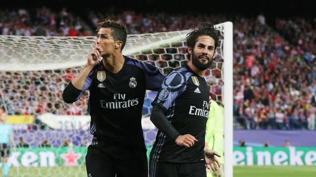 Atletico Madrid v Real Madrid - UEFA Champions League - Semi Final - Second Leg - Vicente Calderon Stadium
