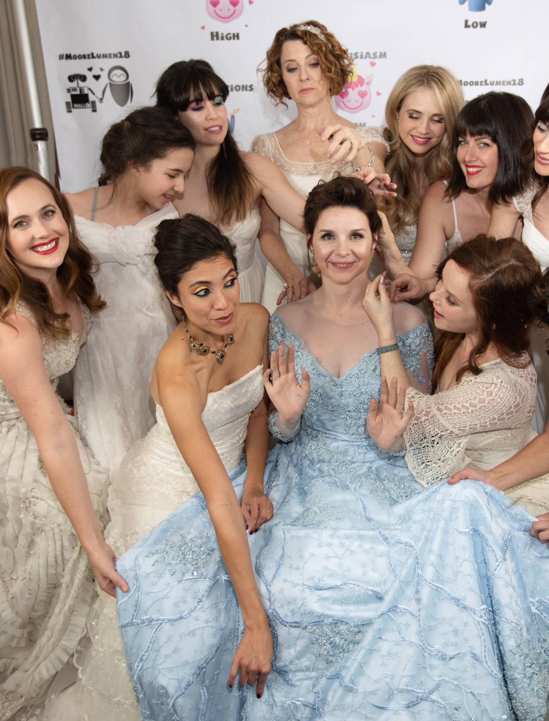Mladenka zamolila gošće da na svadbu dođu u vjenčanicama