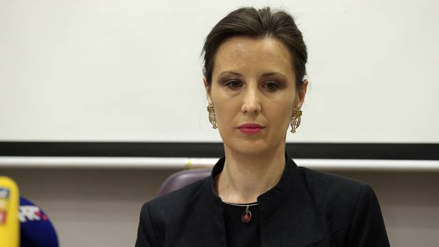 Orešković: Još nismo dobili sve papire za slučaj Karamarko